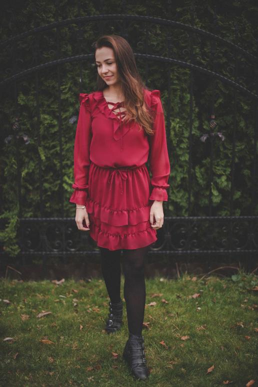Suknelė modelis 127215 Jersa